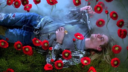 kurt cobain in the video 'heart shaped box'
