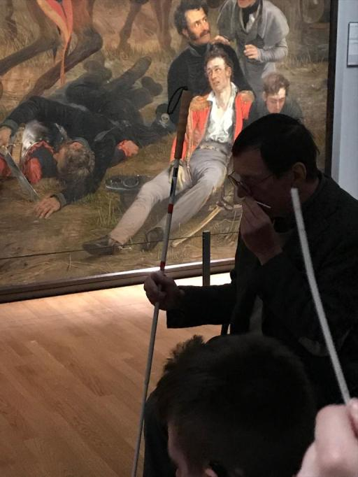 Hannes Wallrafen smelling the Battle of Waterloo composition by Birgit Sijbrands